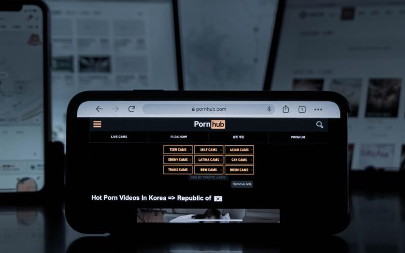 Pornhub e gli altri: tempo di reagire