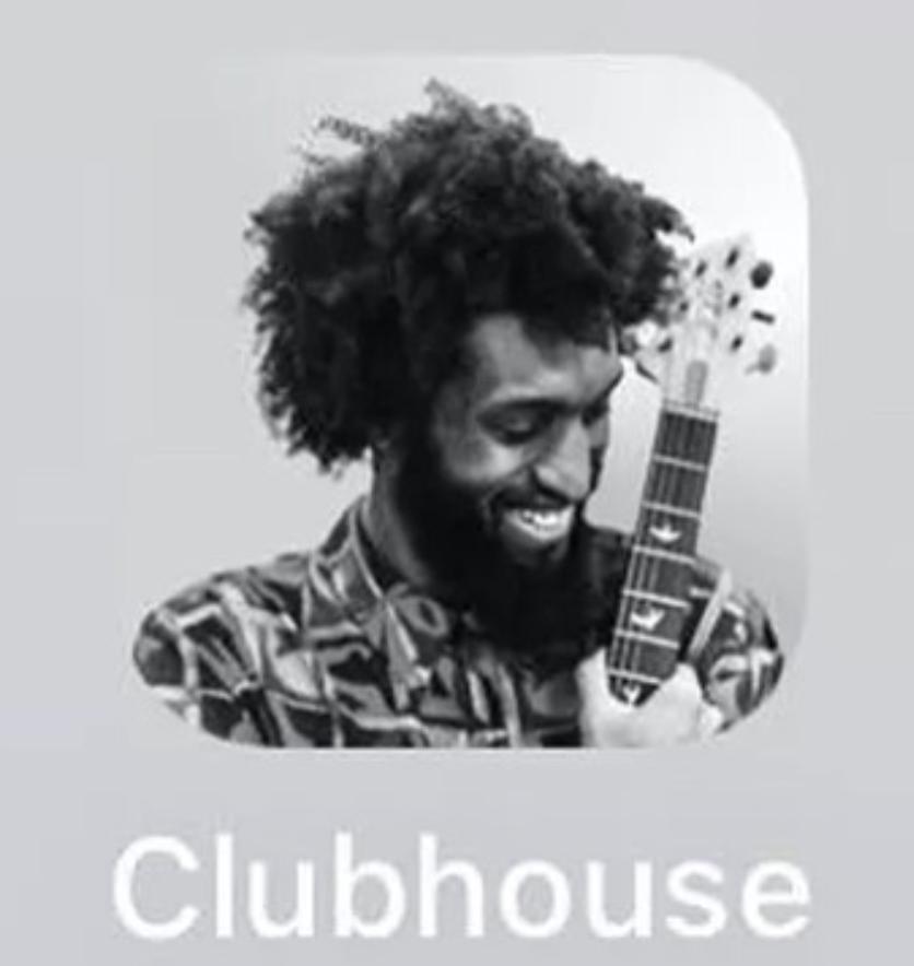 Clubhouse, qualche riflessione sul social più in voga del momento