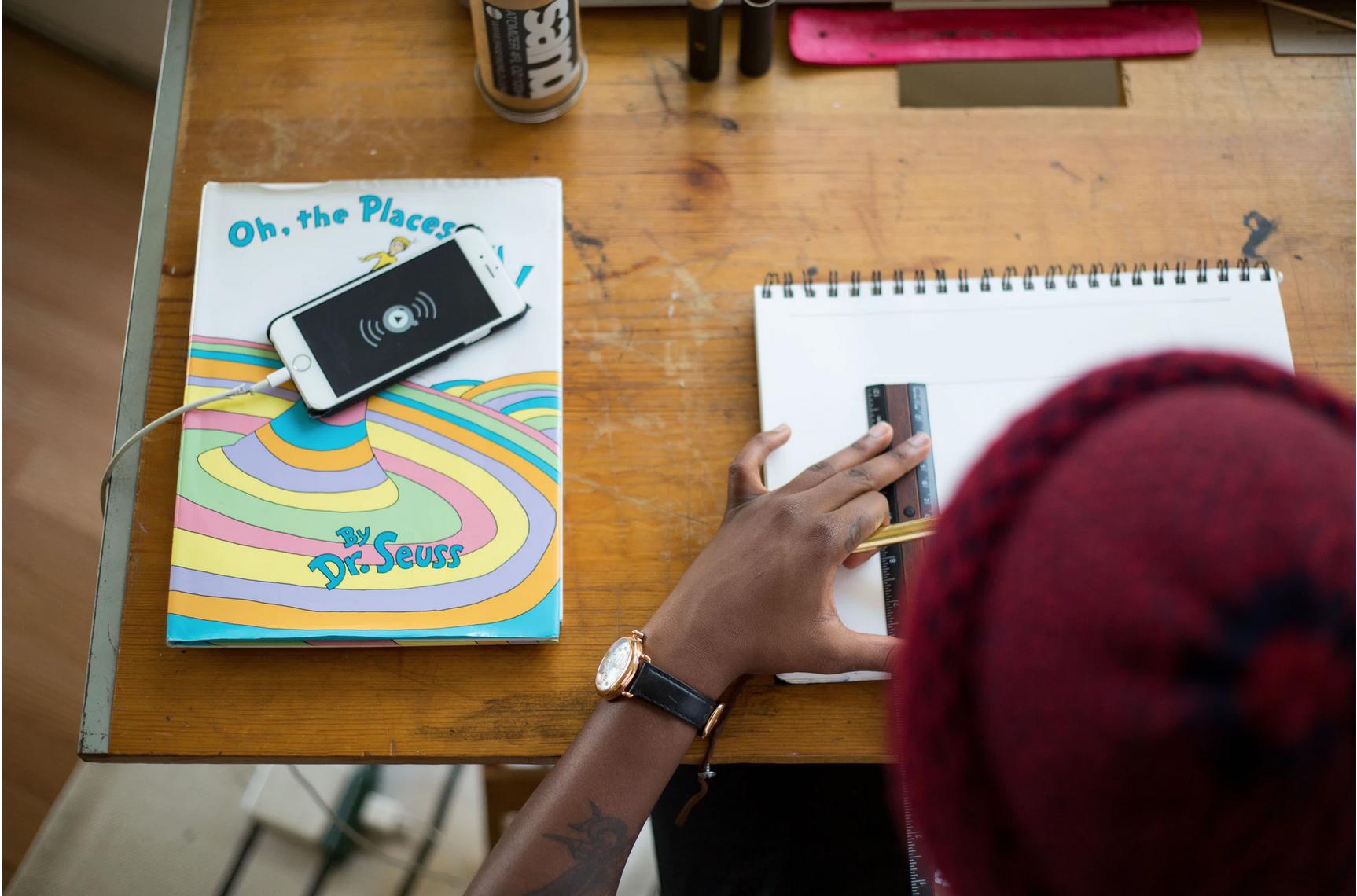 Smartphone vietato sotto i 12 anni? Un compito per i genitori, non per lo Stato